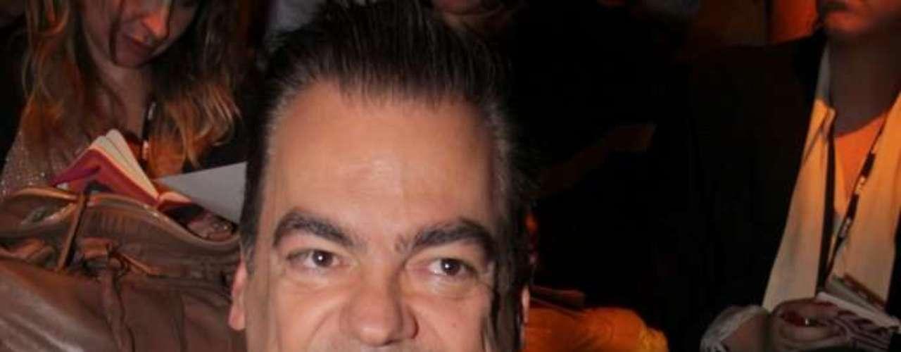 O cabelereiro Marco Antonio Di Biaggi também prestigiou o desfile da Forum