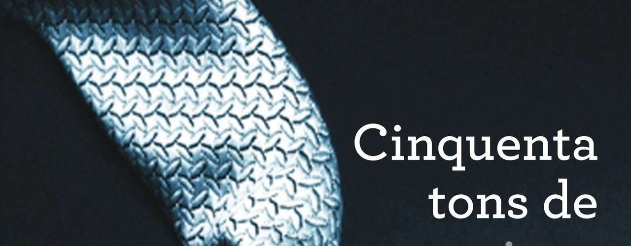 Cinquenta Tons de Cinza, E.L James, editora Intrínseca - Primeiro livro da triologia, o título já é o maior best-seller dos últimos tempos. A série narra a relação entre a ingênua estudante de literatura Anastasia Steele e o jovem empresário Christian Grey. Seduzida pelo mistério multimilionário, a protagonista se vê envolvida em um relacionamento pouco convencional, no qual desvenda seus próprios desejos e os segredos obscuros de Grey. O romance conta uma história de amor repleta de jogos eróticos e tons de sadomasoquismo