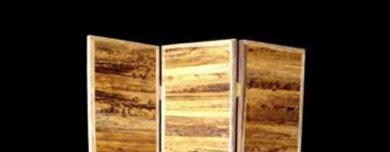O biombo de bambu serve como enfeite ou parede para separar ambientes
