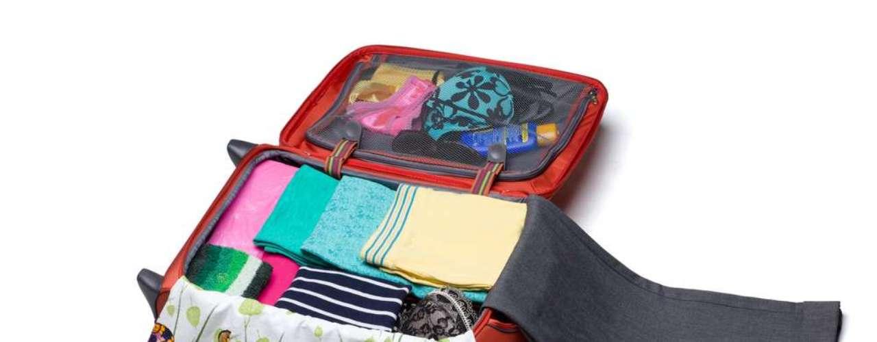 O limite da bagagem varia de uma empresa para outra. Em geral, são dois volumes com cerca de 20 quilos