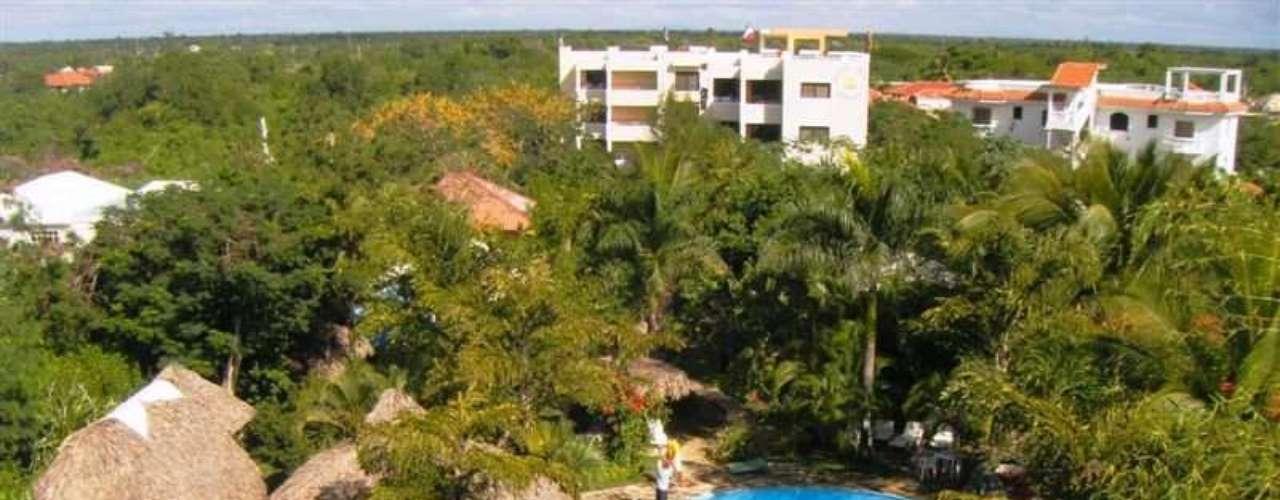 Real Plaza Resort oferece apartamentos para casais, três lojas, salão de beleza, jardim, internet, bares, restaurantes, piscina e minimercado. Onde: Avenida Boulevard Villas Del Mar, Santo Domingo - República Dominicana. Diária: R$ 72. Site: www.plazareal.eu