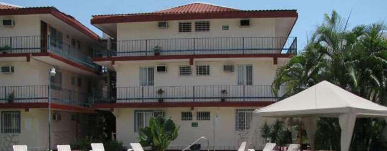 Kin Mayab oferece aos hóspedes piscina, restaurante, estacionamento e serviço de bar. Onde: Av. Tulum, Nº 75 SM 22, Quintana Roo - Cancun. Diária: R$ 76. Site: www.hotelkinmayab.com