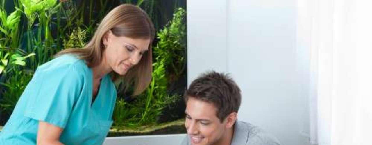 Os homens não podem negligenciar a sua saúde bucal e a visita ao consultório odontológico. É preciso voltar nos prazos estabelecidos pelo profissional, para evitar problemas mais sérios.