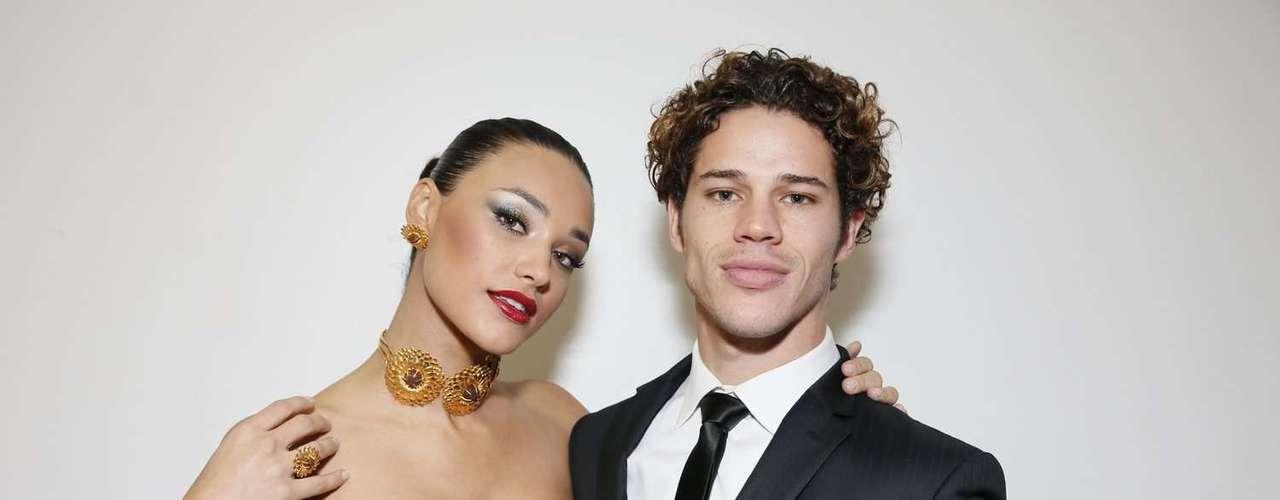 Débora Nascimento e José Loreto foram juntos à sexta edição do maior concurso de joias do Brasil, o AngloGold Ashanti AuDITIONS