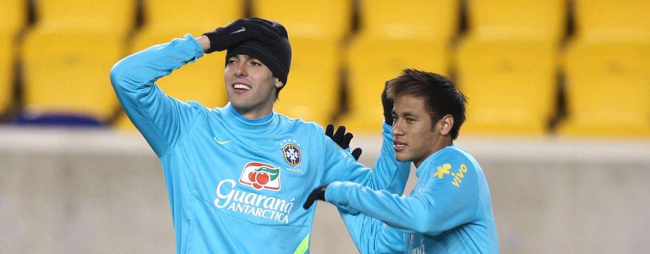 Além de Thiago Neves, Neymar, Kaká e Oscar devem compor o quarteto ofensivo da equipe que entrará em campo nesta quarta-feira