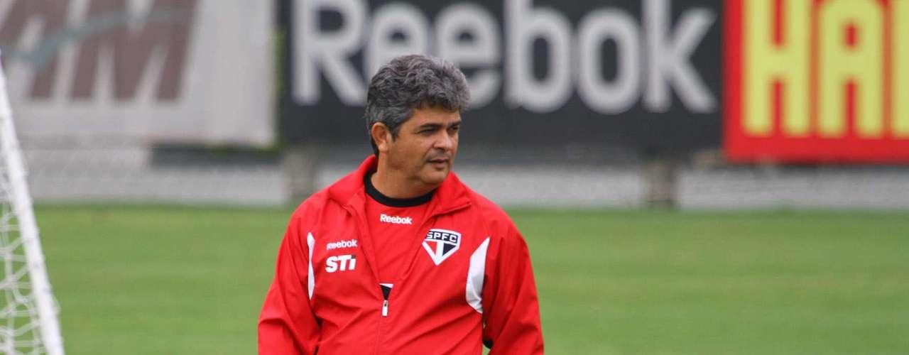 Ney Franco tem bom relacionamento na CBF, pois foi o técnico responsável pelos últimos títulos do Sul-Americano e do Mundial Sub-20 para o Brasil. Especulou-se que o técnico teria trocado a base da Seleção pelo São Paulo porque não foi indicado para treinar time que foi aos Jogos Olímpicos de Londres