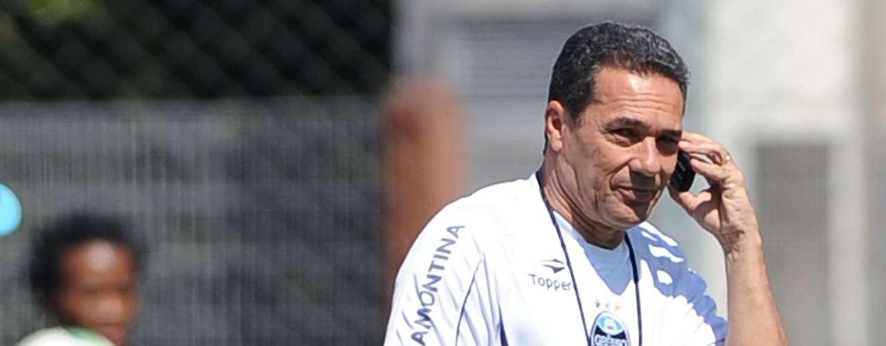 Um dos técnicos mais vitoriosos do País, Vanderlei Luxemburgo já comandou a Seleção, de 1998 a 2000, e ainda dá saudades a muitos torcedores. Na temporada 2012, o técnico conduz boa campanha no Grêmio e pode conquistar o vice-campeonato brasileiro