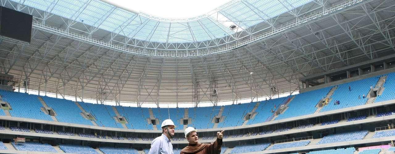 Luciano Bruxels foi acompanhado pelo diretor financeiro da Arena Porto-Alegrense, Olavo Fagundes
