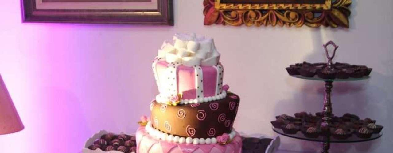 O bolo da festa, que teve como tema 'O Amor'