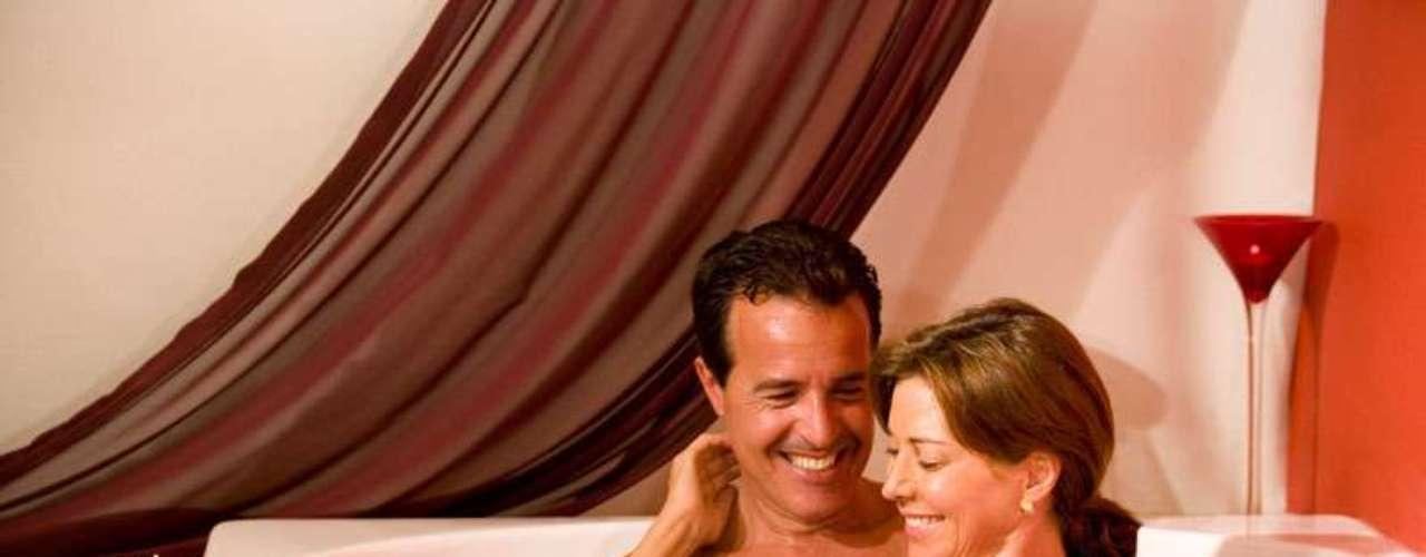 Hóspedes do resort de Cancun ficam em quartos de luxo com terraços ou varandas privativas. Saiba mais em www.temptation.originalresorts.com