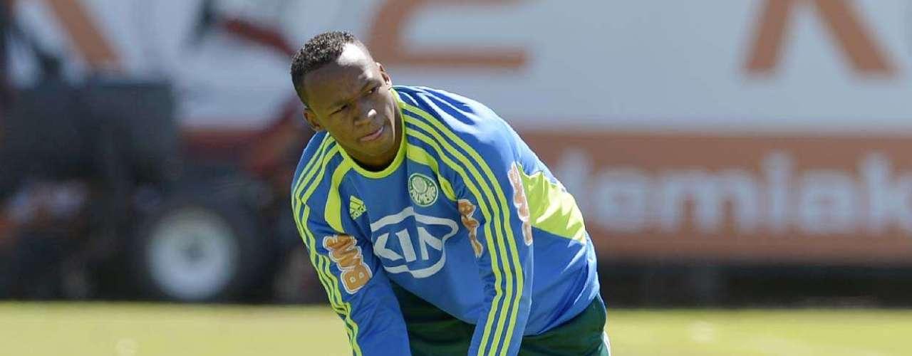 No Palmeiras, o volanteTinga foi emprestado aoFigueirense para o ano que vem