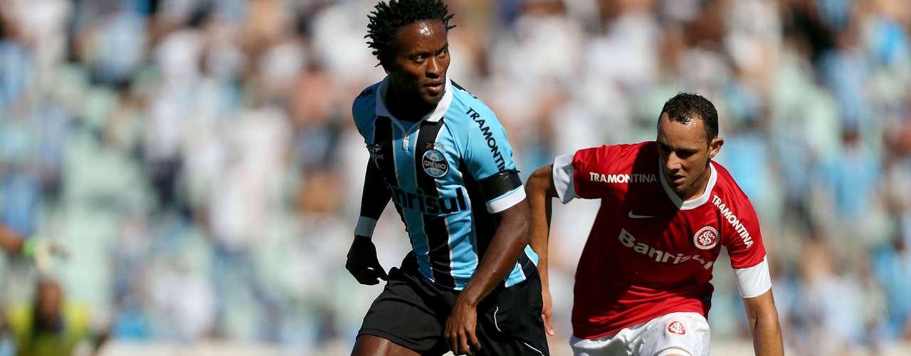 O Grêmio ficou com dois jogadores a mais, mas não conseguiu vencer o Inter na despedida do Estádio Olímpico. O empate deixou o time tricolor na terceira posição do Campeonato Brasileiro. Já o Inter ficou em décimo