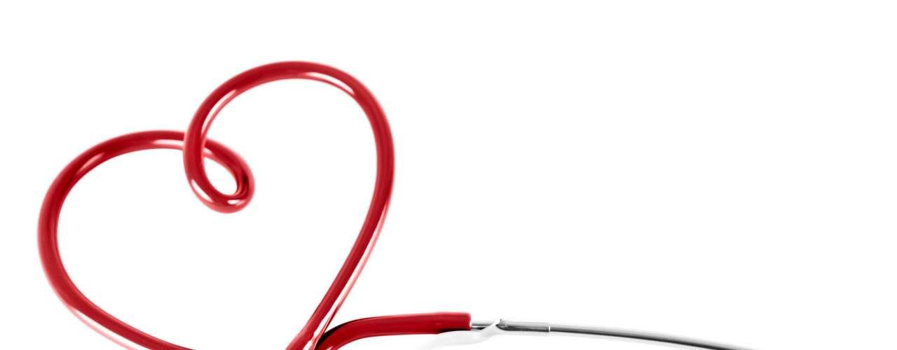 Coração: a relação entre o estresse e problemas no coração ainda é incerta, mas um estudo recente na Europa descobriu que pessoas que têm trabalhos estressantes são 23% mais propensas a ter um primeiro ataque cardíaco que as demais