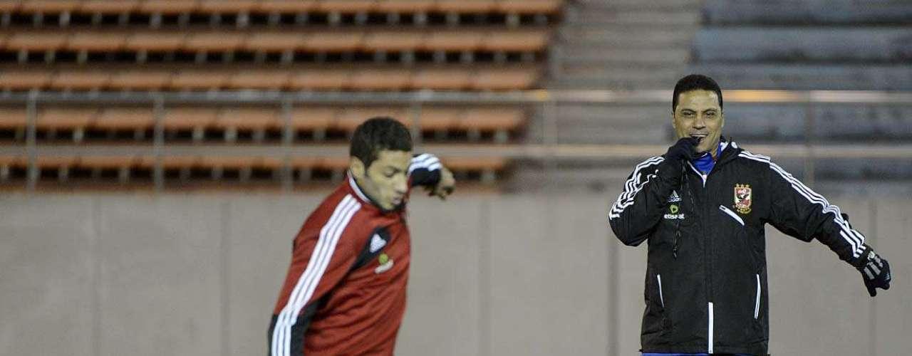 Os atletas treinaram alguns arremates a gol