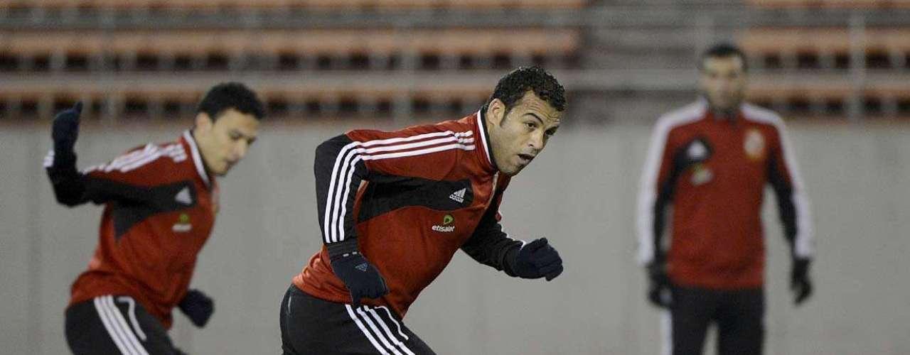 Elenco do Al Ahly treina fundamentos nesta segunda-feira