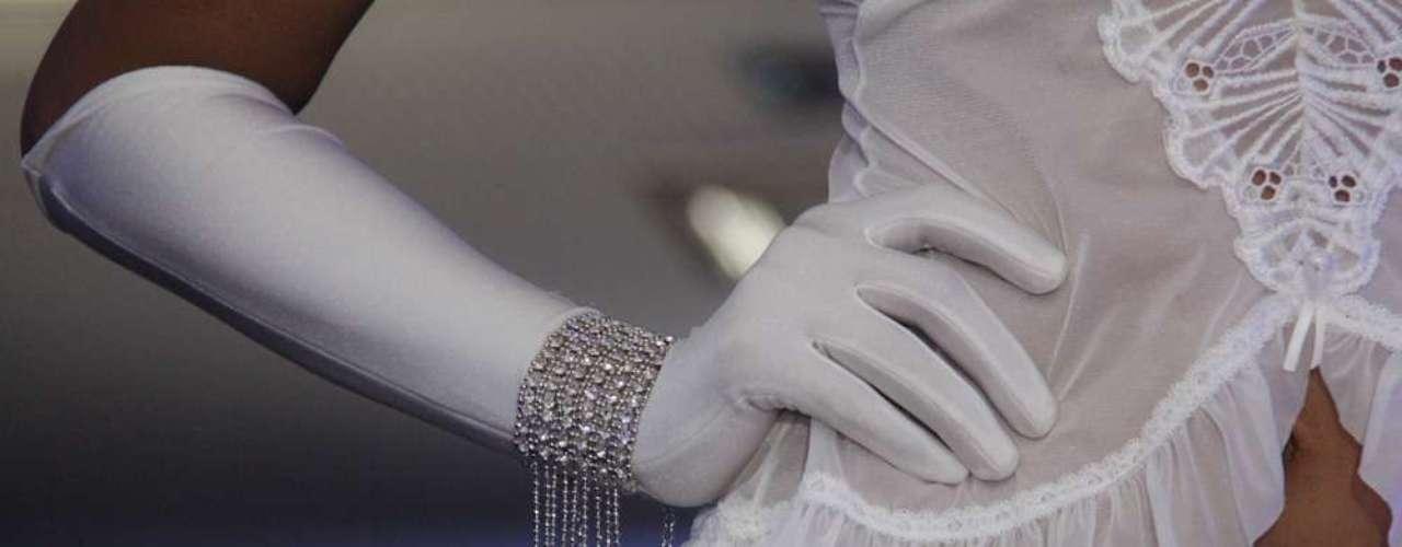 As pulseiras também integram a coleção