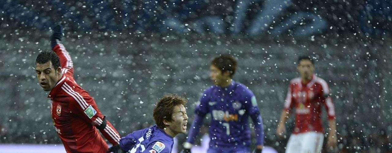 Kohei sofre falta na derrota do Sanfrecce Hiroshima