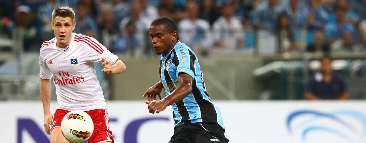 Administrando, time gaúcho sofria poucas ameaças e segurou o resultado sem problemas na etapa inicial