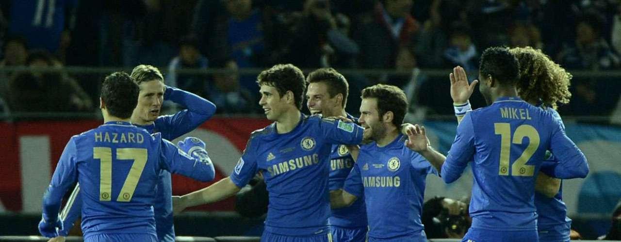 Com três gols de vantagem, o Chelsea novamente tirou o pé e recuou a marcação