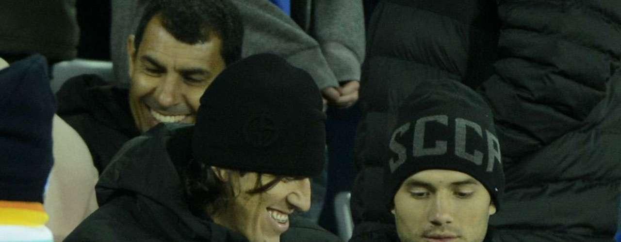 Goleiro Cássio se diverte durante o jogo entre Chelsea e Monterrey