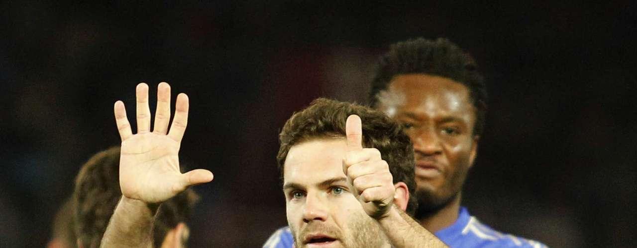 Ao comemora o gol, Mata mostrou o número seis com suas mãos, em homenagem o jogador do Chelsea Oriol Romeu - lesionado e cortado do elenco que participa do Mundial de Clubes