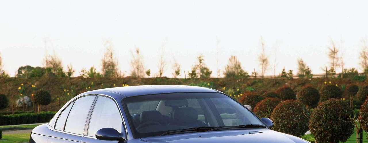 No mesmo ano em que chegou ao fim no Brasil, a GM anunciou a importação da Austrália, montado pela marca-irmã Holden, com motor de 3.8 l V6, capaz de desenvolver 200 cavalos de potência
