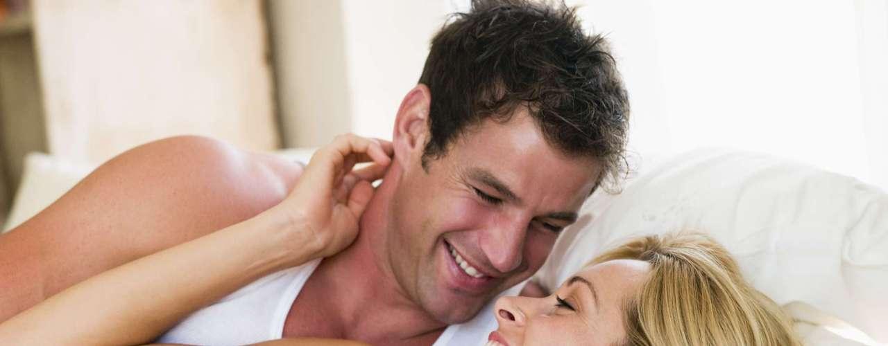 É uma novidade -De acordo com a especialista em sexo Emily Morse, homens gostam de variedade. Logo, algo novo e diferente pode ser especialmente atraente. Para muitos homens, o sexo anal é visto como um presente de suas parceiras, algo raro e especial, afirma