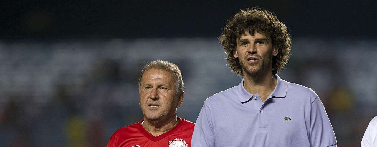 O ex-tenista Guga apareceu no Jogo das Estrelas apenas para dar o pontapé inicial