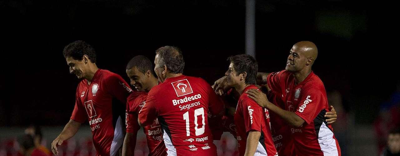 Time de Amigos do Zico começou bem no jogo e abriu placar de 2 a 0