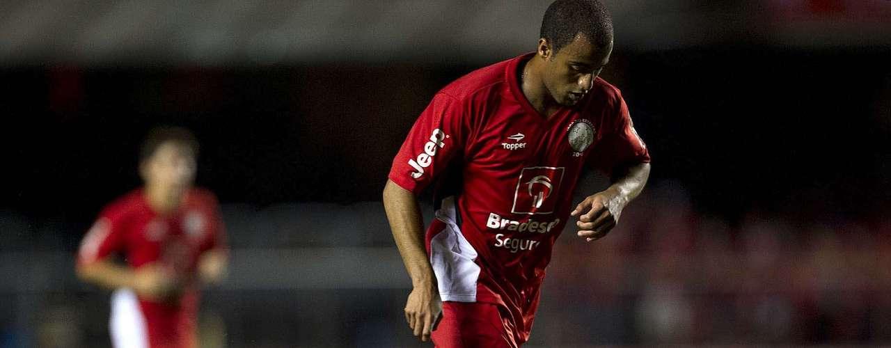 O ex-são-paulino Lucas jogou no time de Zico e fez sua última partida no Estádio do Morumbi. Ele vai defender o Paris Saint-Germain a partir de 2013