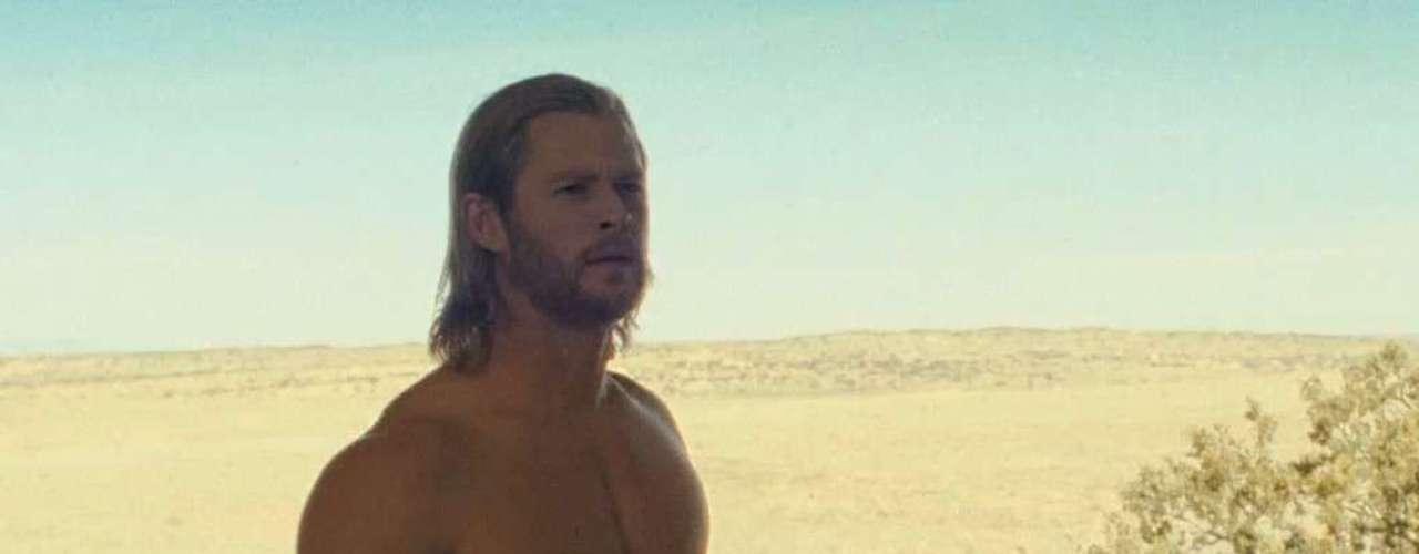 O físico do australiano Chris Hemsworth combinou com o seu personagem em Thor, de 2011. Forte e musculoso, ele voltou na mesma boa forma em Os Vingadores este ano