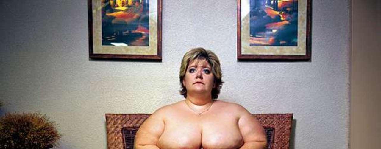 Fotógrafo Yossi Loloi exalta beleza de mulheres obesas em ensaio