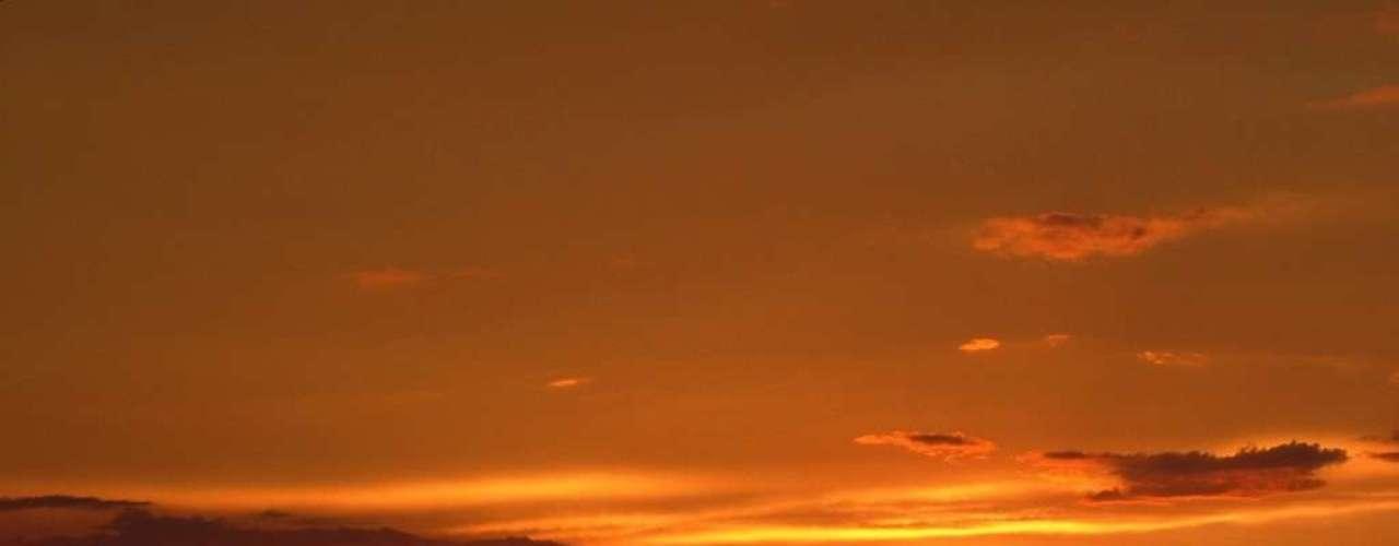 Manaus, AM A Amazônia é um dos maiores tesouros naturais do planeta, mas sua distância de regiões como nordeste, sul e sudeste faz desta magnífica floresta um destino pouco visitado pelos brasileiros. A CVC tem pacotes de 5 dias com passagem aérea e hospedagem em Manaus, e excursões para conhecer as belezas do Rio Amazonas, do Rio Negro e da selva local, com preços a partir de R$ 1.840 com saída em 13 de janeiro. Informações: (11) 2191-8410
