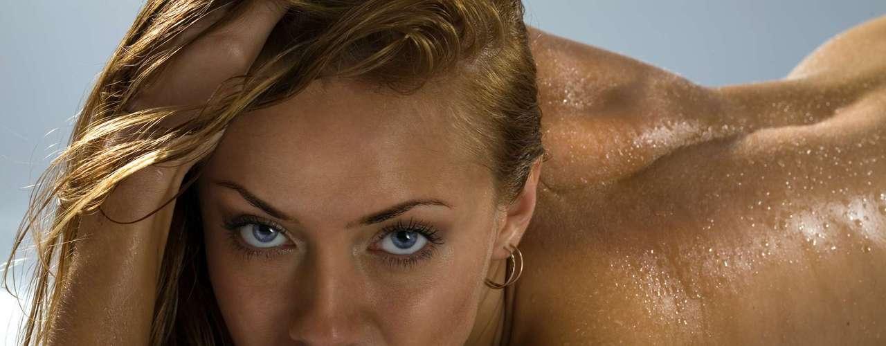 Suor: embora possa parecer nojento para você, o odor natural do corpo da mulher pode ser um estimulante sexual para os homens. Por isso, Kemer aifmou que se você tomou banho há algumas horas e mesmo assim não pode evitar o suor durante a relação sexual, não se preocupe, o parceiro vai até gostar