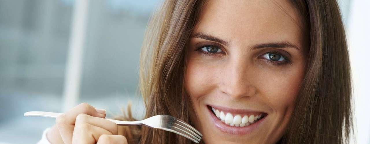 Refeições fracionadas: 80% dos obesos fazem uma ou duas refeições por dia, o ideal é comer de 6 a7 vezes. \
