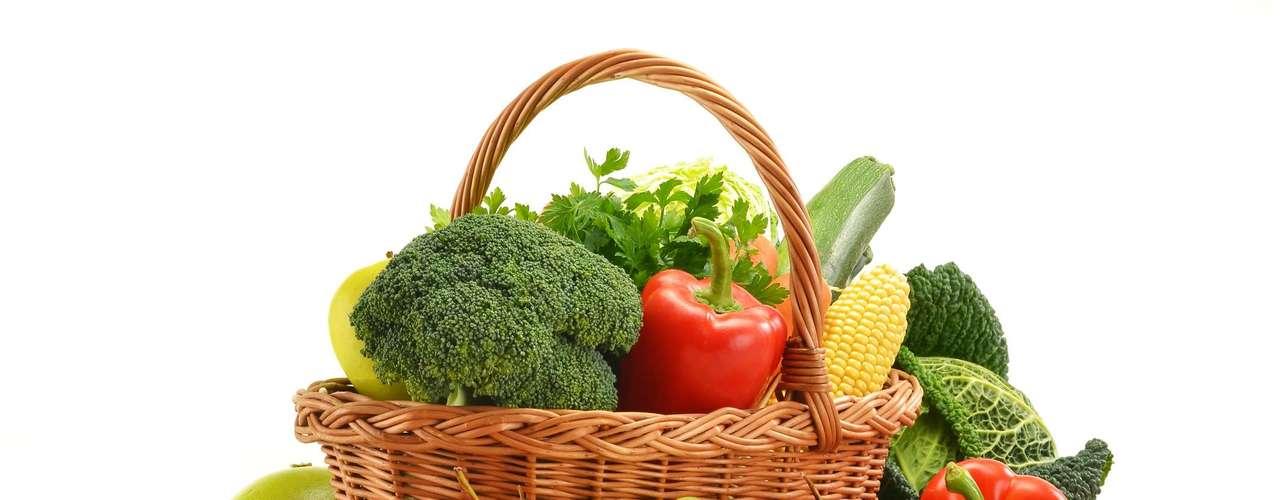 Frutas e verduras: ninguém emagrece sem comer frutas e verduras. \
