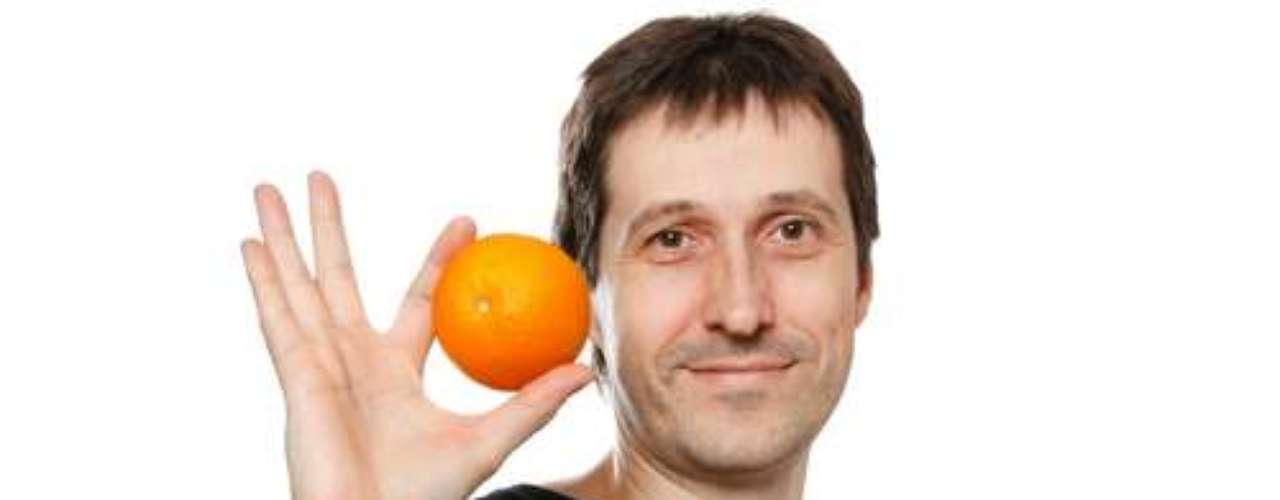 Laranja  estimula glândulas salivares e refresca o hálito.
