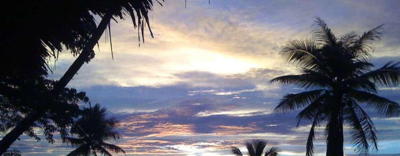 Ilha de Pohnpei, Palikir, Estados Federados da Micronésia O arquipélago dos Estados Federados da Micronésia, composto por 607 ilhas, tem como capital a pequena cidade de Palikir, com pouco mais de 6 mil habitantes. Palikir, assim como a cidade de Kolonia, segunda maior cidade da Micronésia, está situada na ilha de Pohnpei, com praias incríveis e uma magnífica vegetação