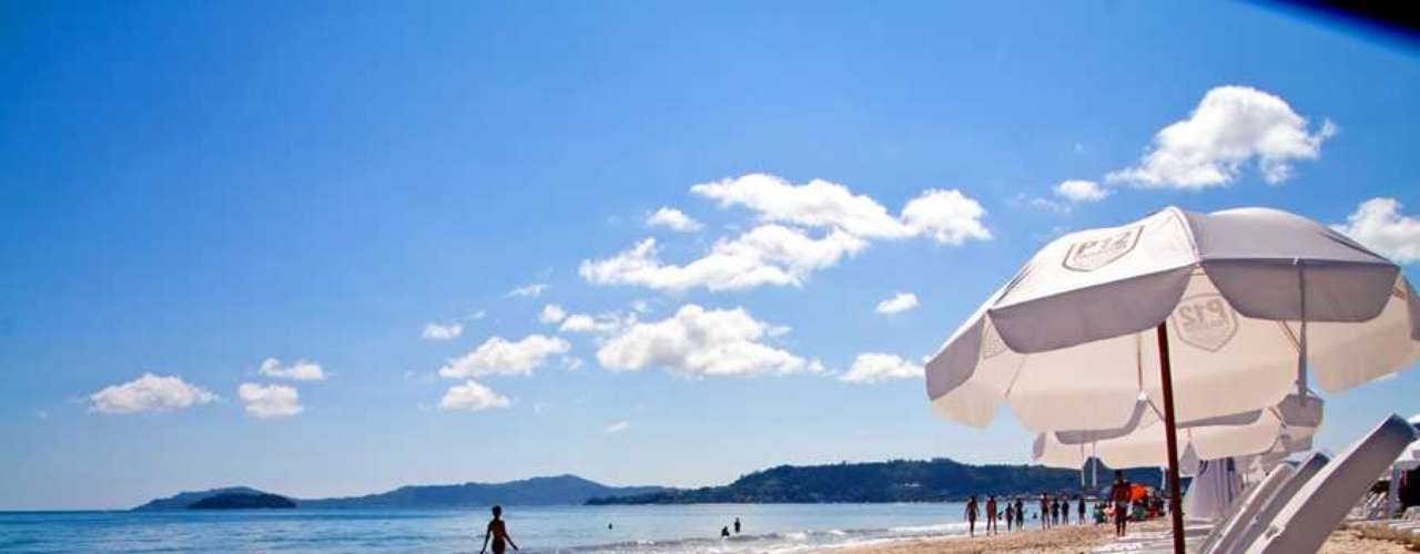Jurerê é considerada umas das mais belas praias de Florianópolis