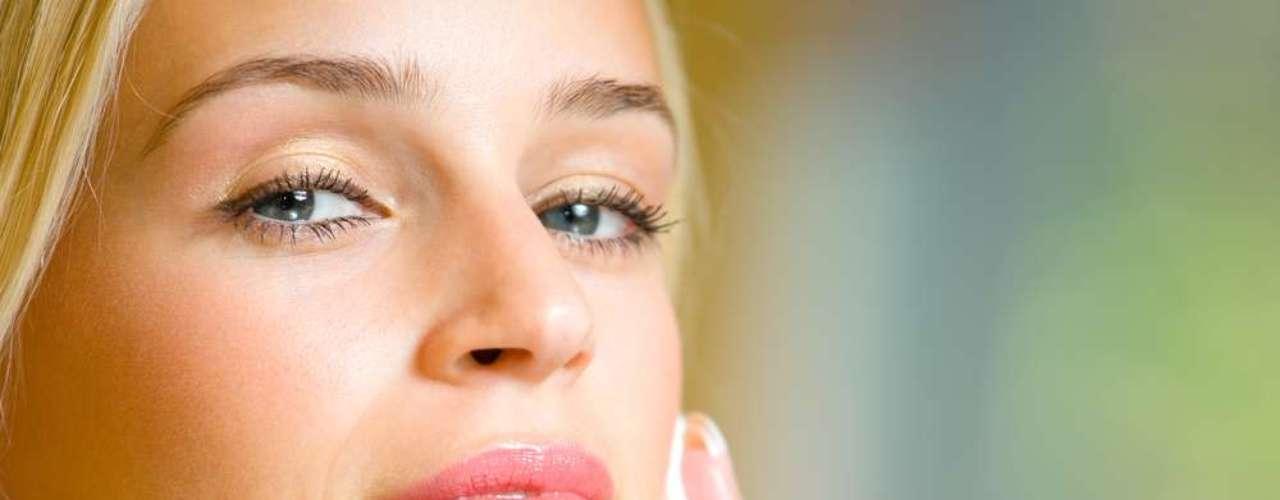 Usado em peelings e cosméticos, substância garante renovação profunda das células e oferece ótimos resultados no tratamento de cicatrizes de acne