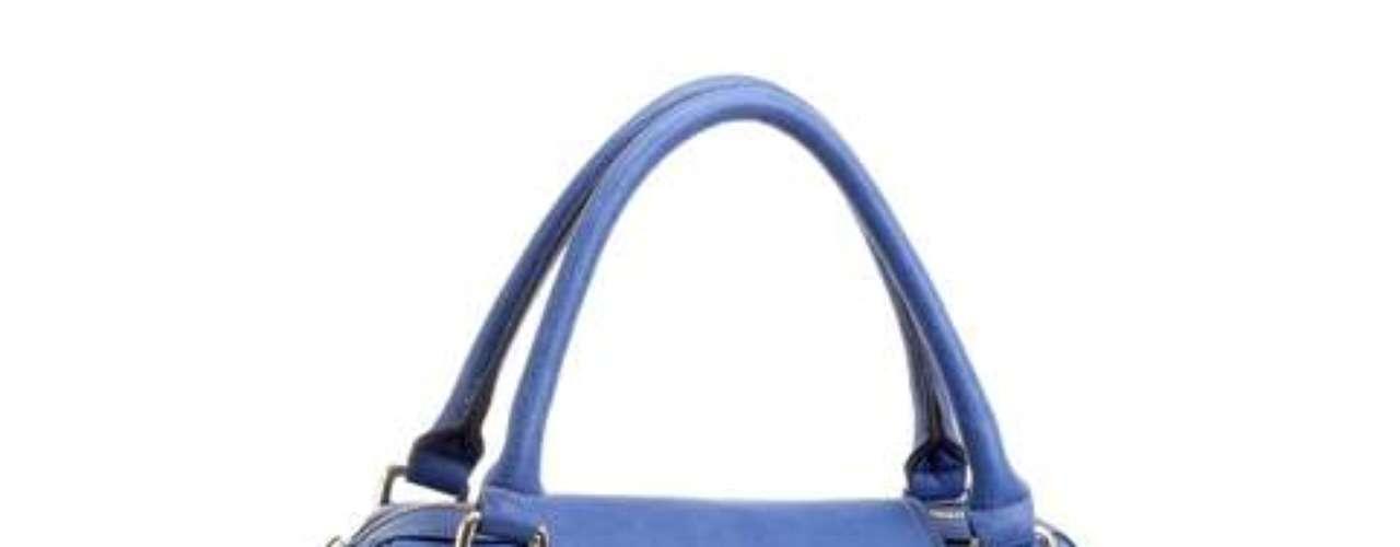 O azul é uma das cores escolhidas pela apresentadora para o outono-inverno