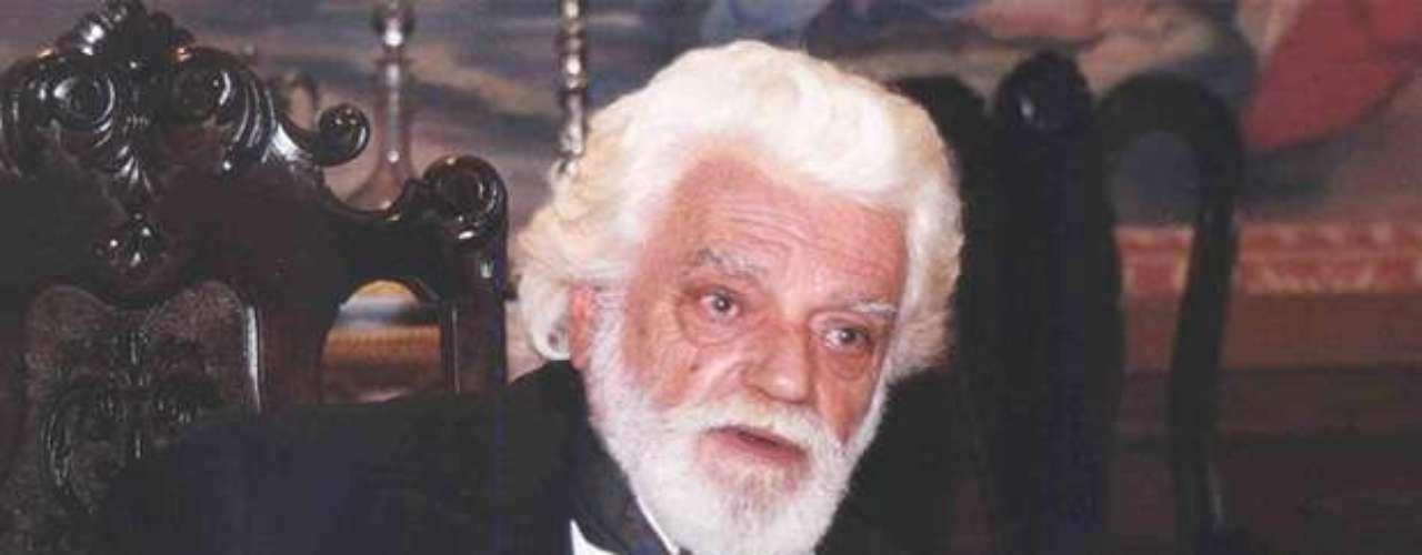 Como Afonso da Maia, na minissérie 'Os Maias', de 2001