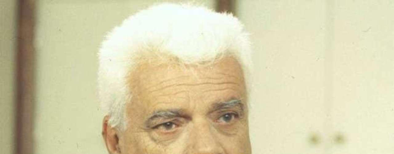 Em 1993, viveu o Dr. Afrânio Guerra na novela 'Sonho Meu'