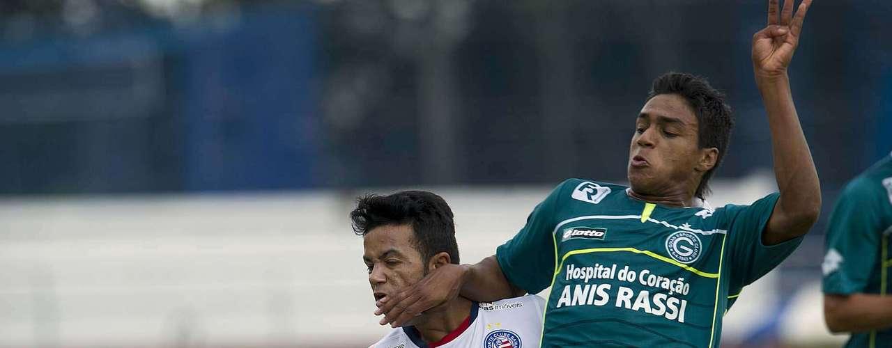 Goiás quase conseguiu empatar aos 23min, em passe de Liniker que Erick recebeu na área e acertou na trave do goleiro Renan