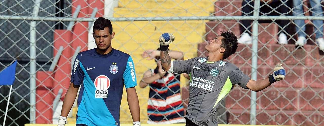 Na série decisiva, Paulo Henrique defendeu duas cobranças do Bahia, enquanto Goiás converteu