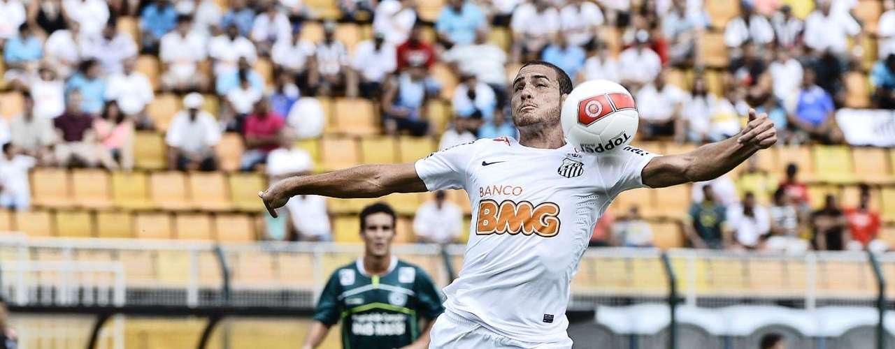 Seguro no meio-campo, Paulo Castro teve boa atuação ao longo da final contra o Goiás