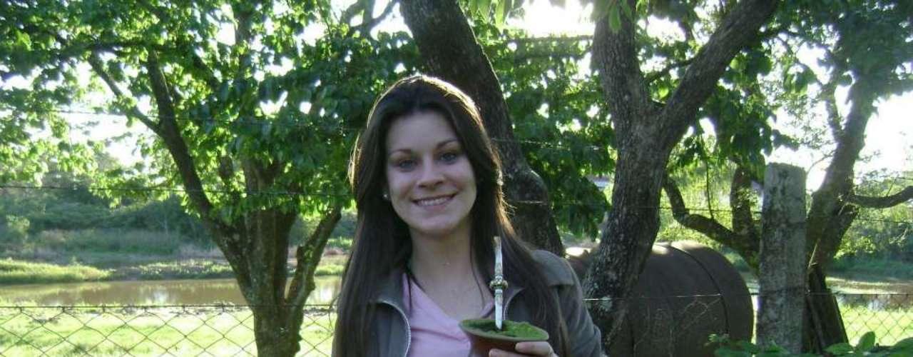 Nascida em São Francisco de Assis (RS), Melissa Berguemeier Correa era estudante de Agronomia na Universidade Federal de Santa Maria