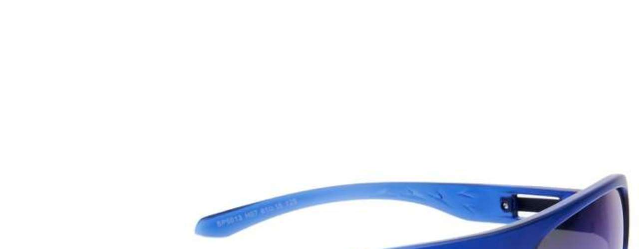 Uma opção da Speedo Eyewear é o modelo esportivo máscara, em acetato fosco na cor azul e lentes espelhadas azuis. Preço: R$ 179. Informações: (11) 3097-0299