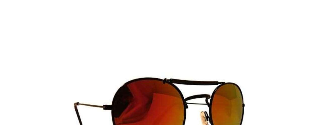 Óculos espelhados Spitfire à venda na Sergio K. Preço: R$ 398. Informações: (11) 3083-1789
