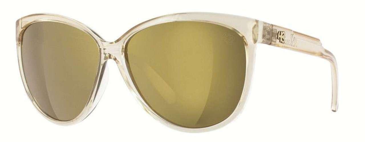 Óculos com lentes espelhadas da HB. Preço: R$ 249. Informações: (11) 4591-8610